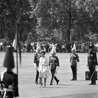 Royalty - The Queen - Horse Guards Parade, London 1960s OLD PHOTO