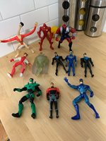 Lot Of 11 DC Comics Action Figures From The 90s Green Lantern, Flash, And More!
