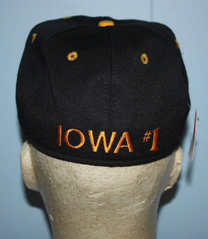 low priced b41a9 c5a1c Vintage  1 Apparel Iowa Hawkeyes Fitted Hat Cap 7
