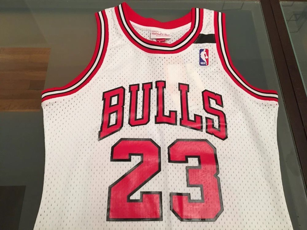 half off 6e859 eb35d Authentic Chicago Bulls Mitchell and Ness Michael Jordan Jersey 91-92 Small  S 36