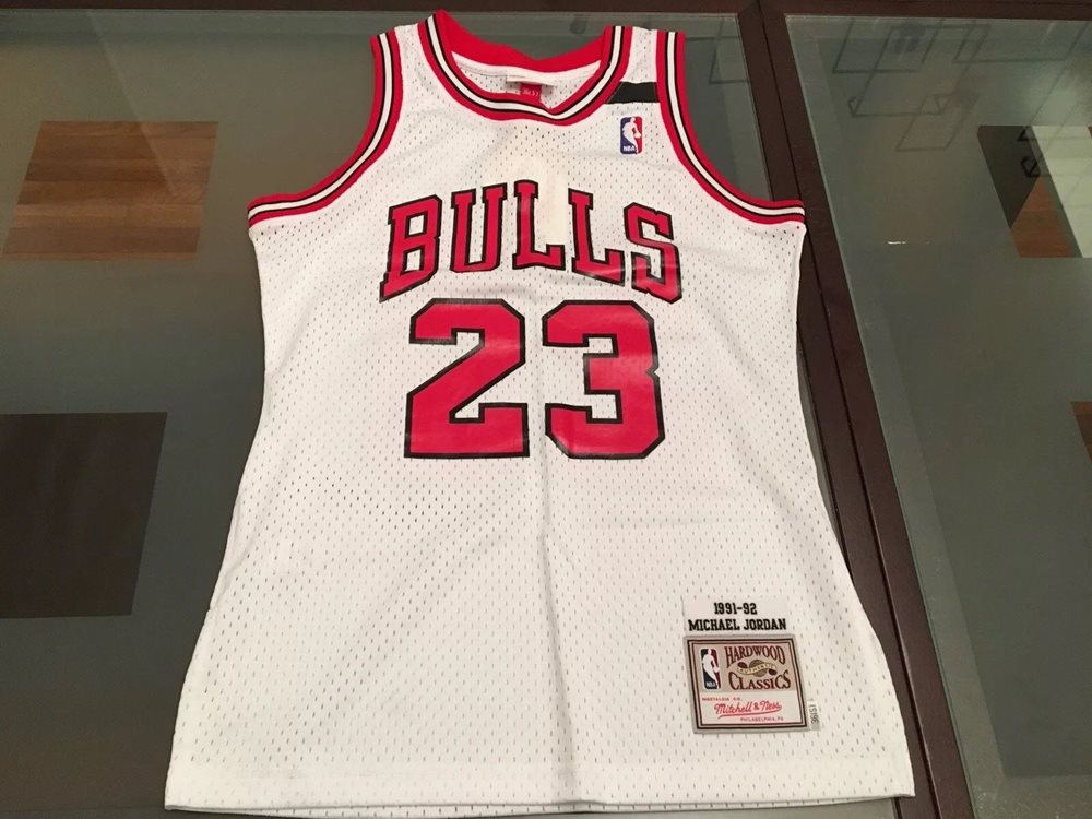 7082a1fcbf6 Authentic Chicago Bulls Mitchell and Ness Michael Jorda