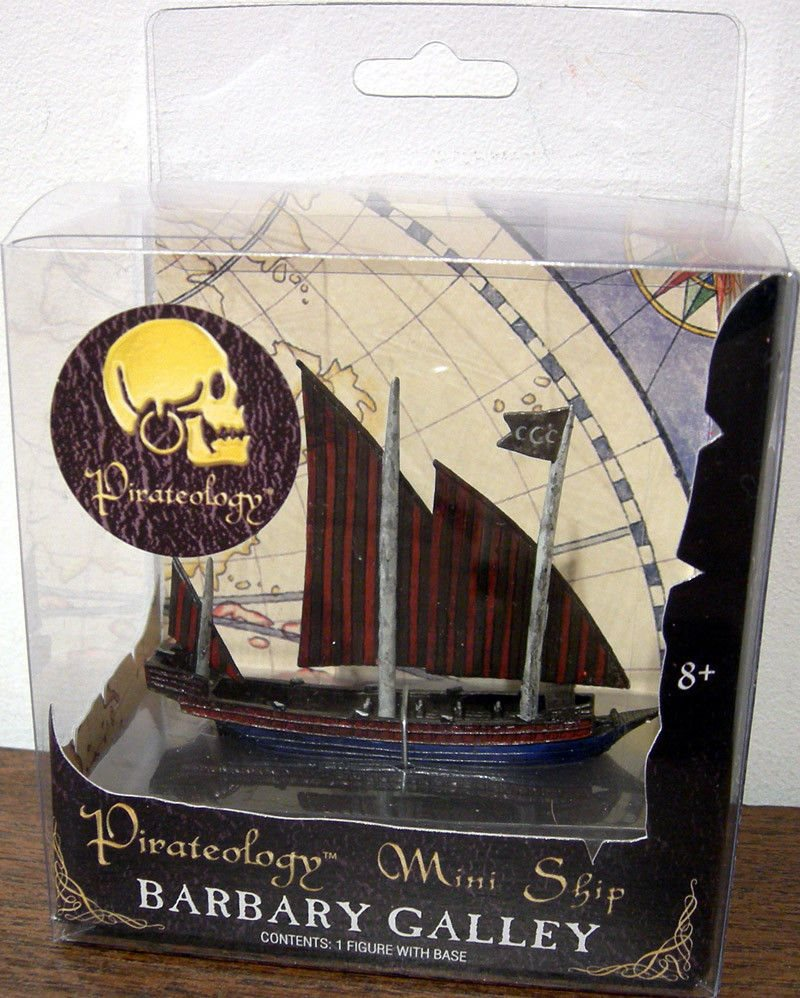 NEW Pirateology Mini Ship Chinese Junk