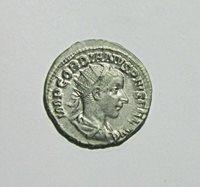 SILVER ANTONINIANUS. GORDIAN III, 238-244 AD. VIRTUS REVERSE. SHARP DETAILS.