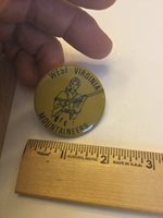 Vintage University College Football Pin Button West Virginia Mountaineers