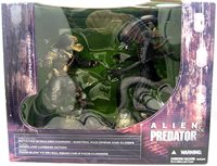Movie Maniacs 7 Inch Action Figure Series 5 - Alien vs Predator Box Set