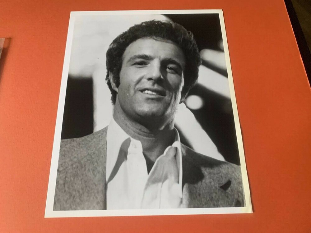 Tom Hanks American Actor Unsigned Vintage Publicity Photo Size 8x10 B/&W Photo
