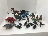 """Lot Of 20 Plastic Dinosaurs. Varying Sizes From Approx. 1""""-5"""" Tall"""