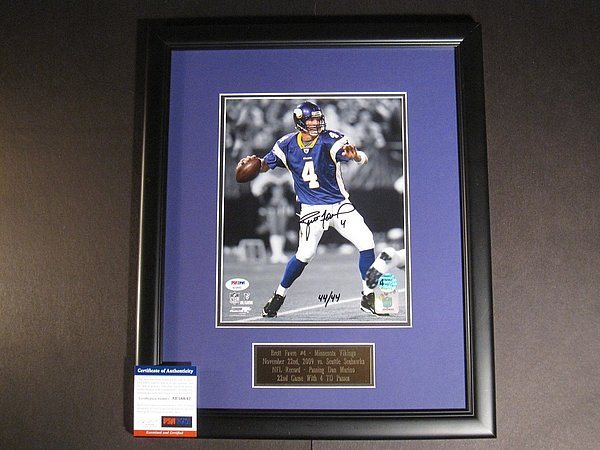 competitive price cc4f4 7ccd1 Brett Favre Autographed Signed Memorabilia Framed 8x10 Photo NFL Record  22nd Game/4-Td Passes PSA/DNACUSTOM FRAME YOUR JERSEY