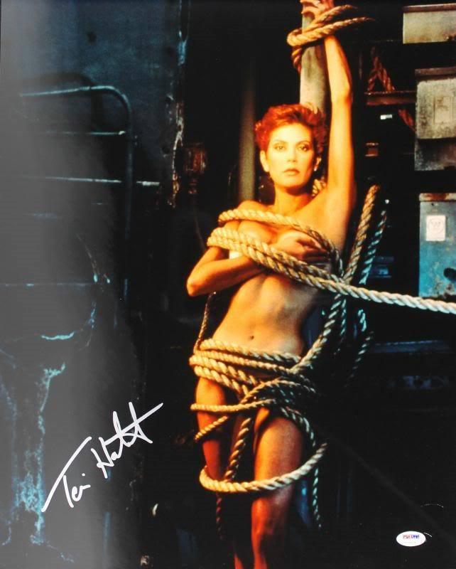 Teri Hatcher Sexy Signed Authentic 16x20 Photo Autograp