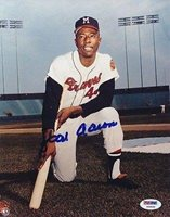 Autographed Hank Aaron Photo - 8x10 Y66630 - PSA/DNA Certified - Autographed MLB Photos