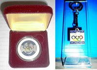 1972 Olympic Games Munich XX OLYMPIADE MÜNCHEN 1972 MEDAL AND KEYCHAIN VERY NICE