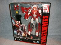 Autobot Voyager Class Power of the Primes Elita-1 Transformers NEW