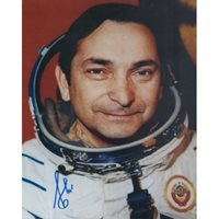 Soviet Cosmonaut Valery Bykovsky 5th man in space signed photo
